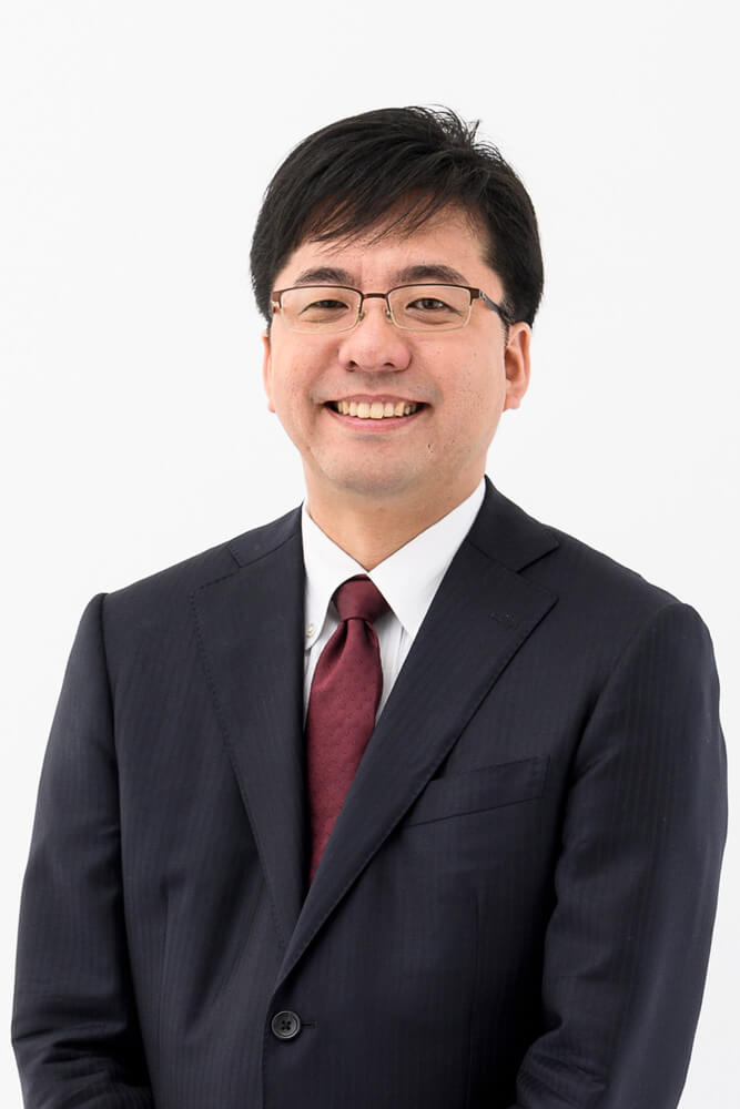 写真:平野友朗氏(一般社団法人日本ビジネスメール協会代表理事、株式会社アイ・コミュニケーション代表取締役)
